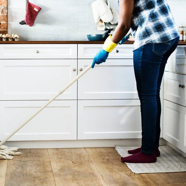 5 essential tips for hiring a domestic cleaner