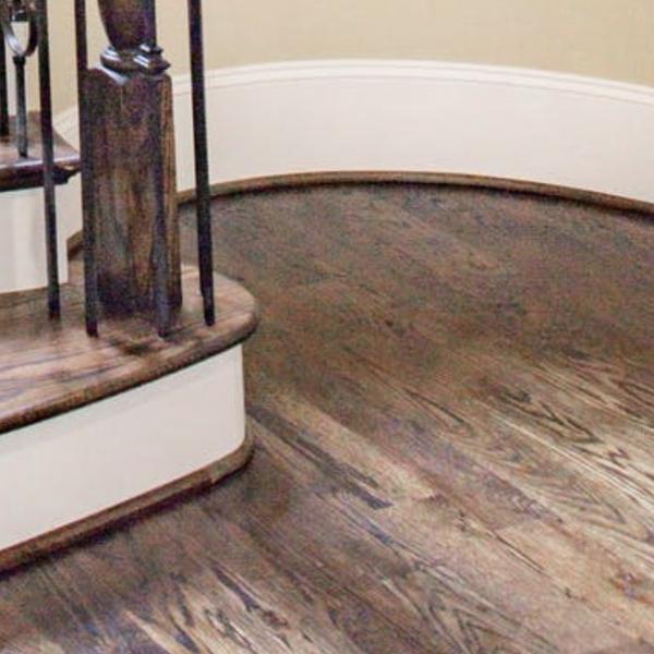 Vacuuming skirting boards